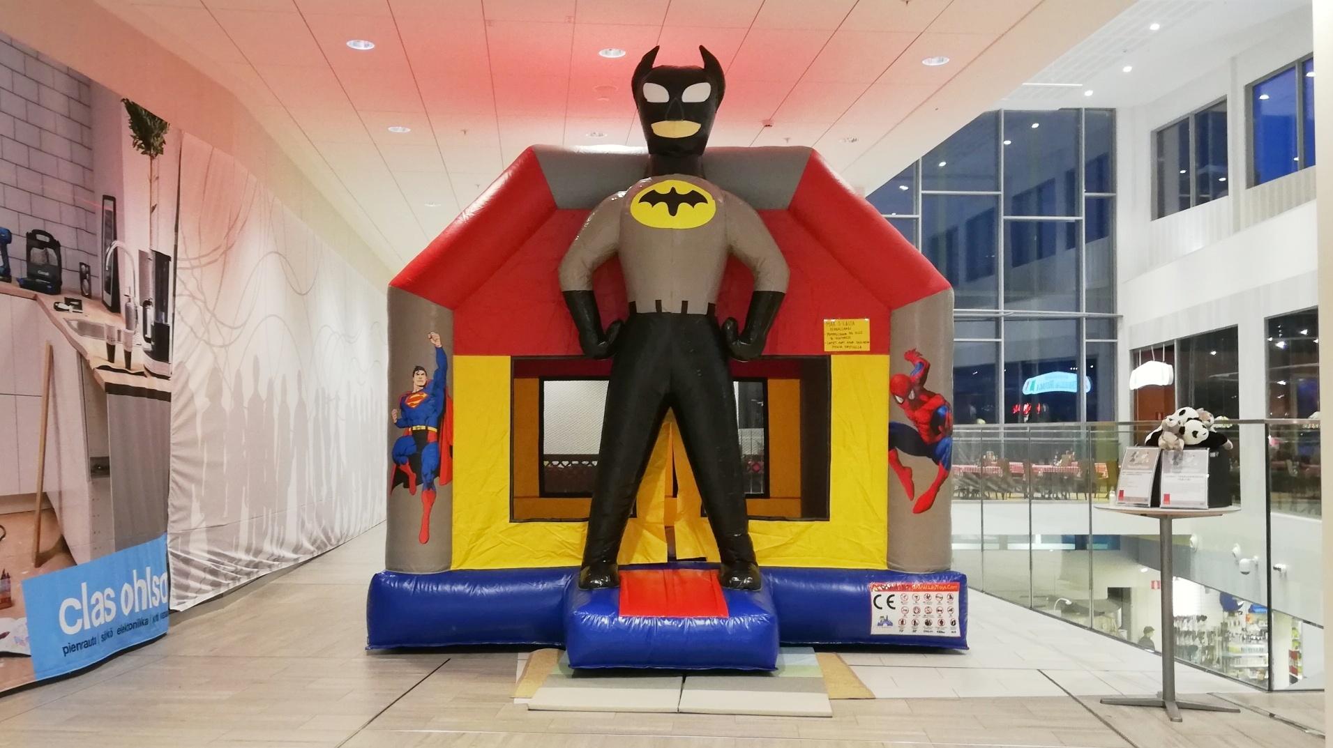 Batman -pomppulinna
